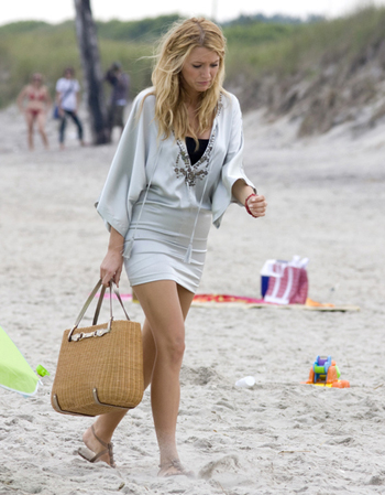 look-playa-blake-lively