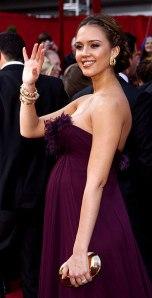 vestidos-de-famosas-embarazadas-4