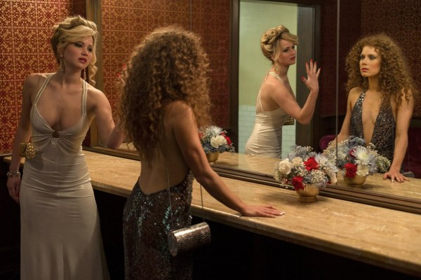 Películas Jennifer-lawrence-y-amy-adams-en-la-gran-estafa-americana-143423_w1000